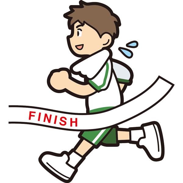 マラソンでゴールをする男の子(笑顔)(半袖)